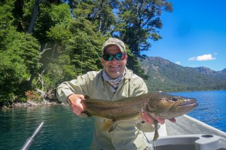Lago Tromen monster brown near San Martin de los Andes