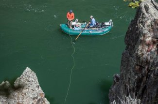 White water fishing trips in Yankee Jim Canyon