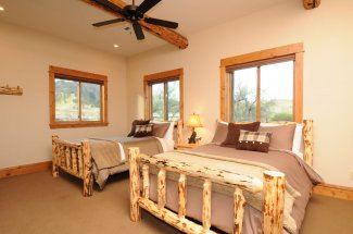 Comfortable beds at the Lodge at Eagle Rock
