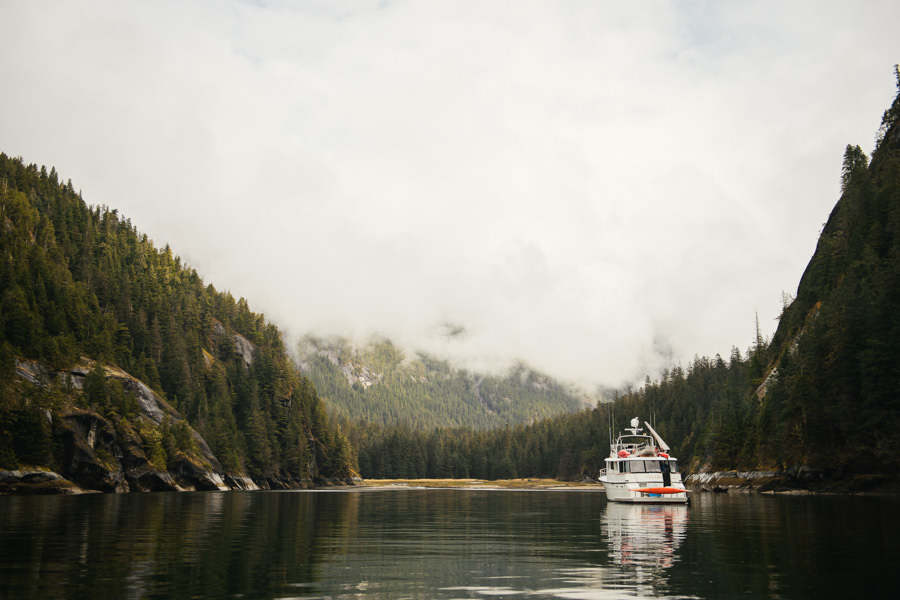 Luxury liveaboard Alaska Steelhead fishing trip