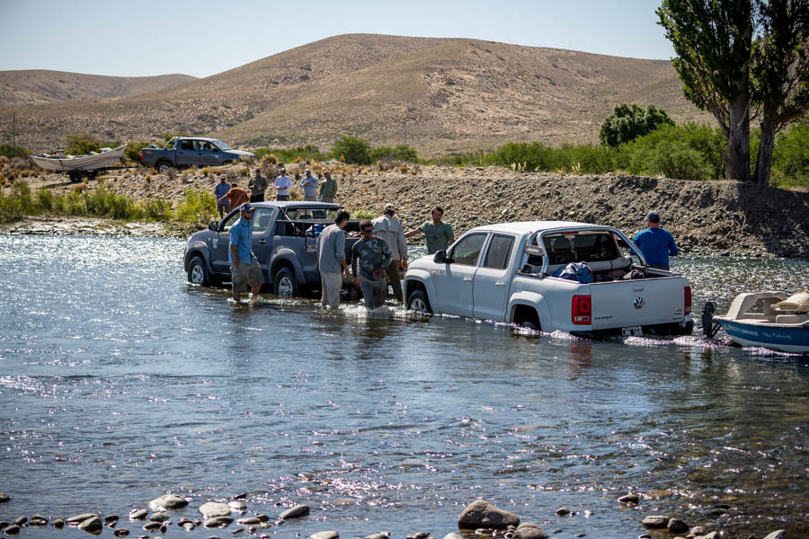 What trip would be complete without truck issues?  Andres's 4 wheel drive diesel stalled fording the Caleufu River while entering estancia Quemquemtreu.  Luckily we were able to pull the truck out, dry out the air filter to get it up and running again