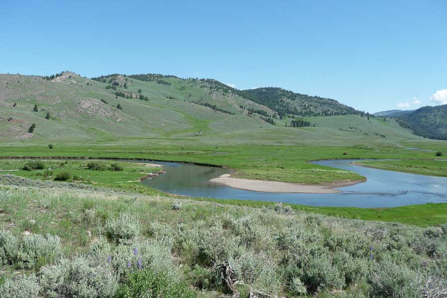 August brings low, clear water to the Lamar Valley